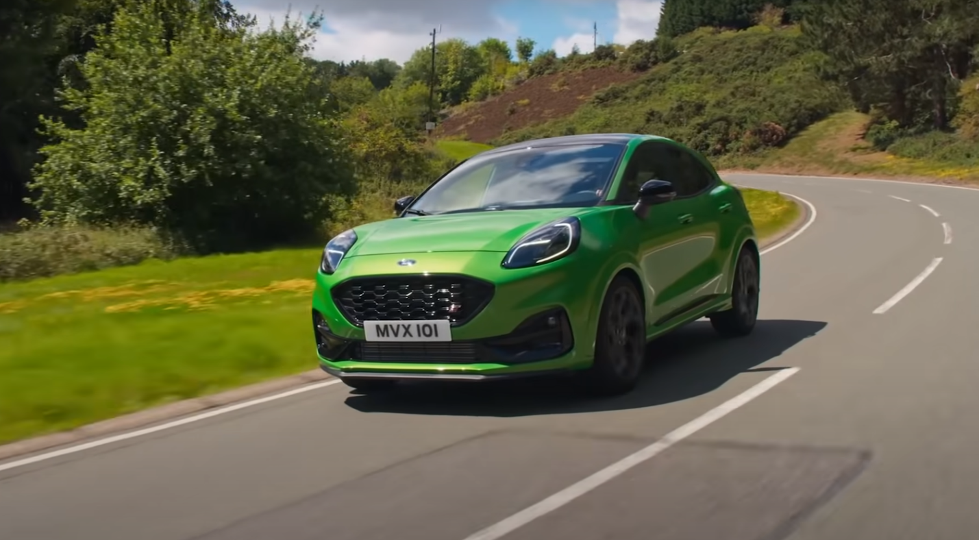 Ford Puma ST RRROARS Across The Race Track With A Zip